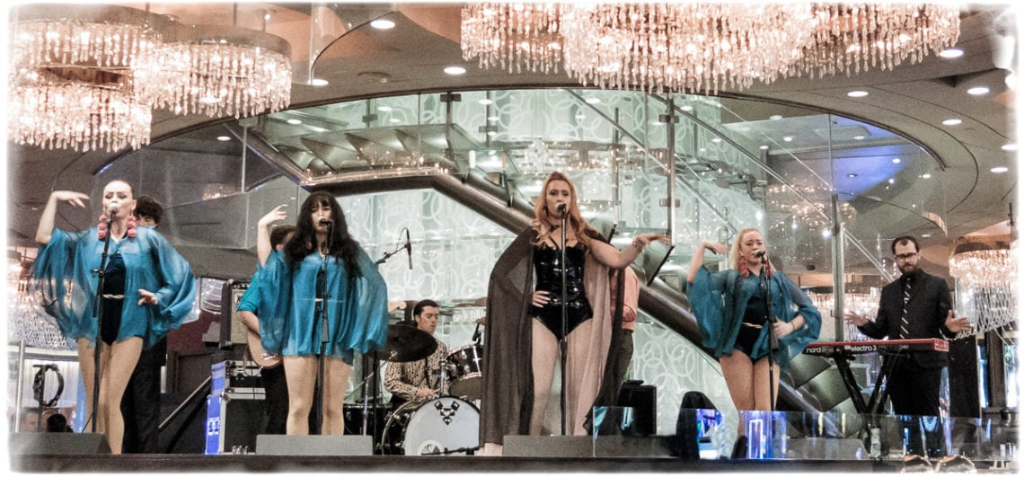 Clairy Browne and the Bangin' Rackettes - The Chandelier Bar